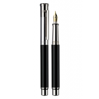 obrázek Plnící pero Otto Hutt Design 04 černé hladké - zlatý hrot